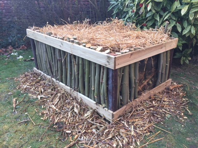 Comment faire un carr potager en bois for Bac carre potager bois