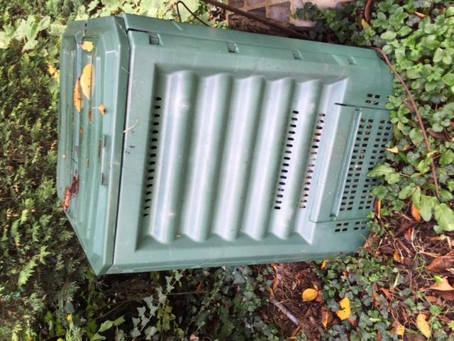 Petit composteur mettez vous faire du compost jardin potager bio - Faire du compost en appartement ...